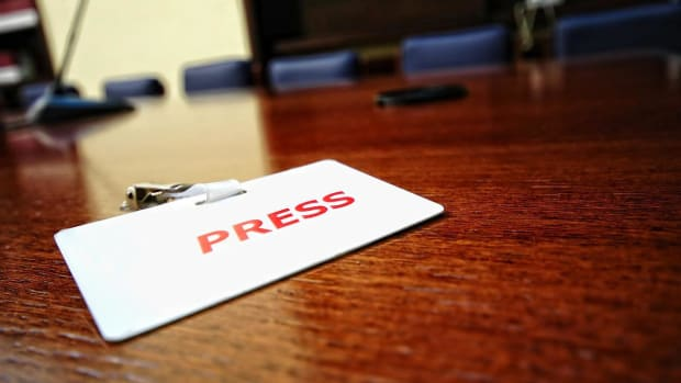 M. How to Work with the Press in PR Promo Image