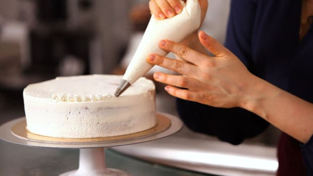 J. 3 Cake Border Piping Tips Promo Image