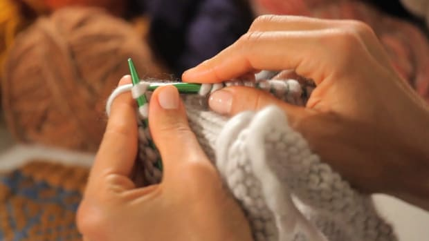 ZA. How to Knit in the Round Left-Handed aka Continental Style Promo Image