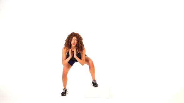 U. How to Do a Home Workout with a Step for a Sexy Butt Promo Image