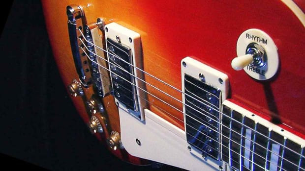 M. Gibson Les Paul Standard & Gibson Les Paul Studio Promo Image