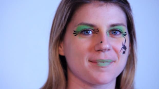 T. How to Paint a Witch with Face Paint Promo Image