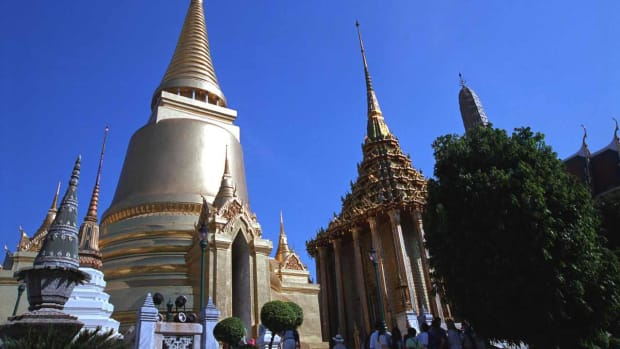 B. Top 10 Places to Visit in Bangkok Promo Image