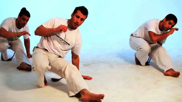 G. How to Do the Negativa in Capoeira Promo Image