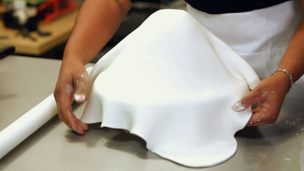 ZA. How to Cover a Princess Doll Cake with Fondant Promo Image