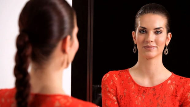 ZJ. How to Apply Makeup with Brittney Rose Promo Image