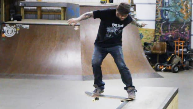L. How to Do a Tailslide on a Skateboard Promo Image