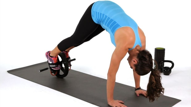 ZI. How to Do a Pike with an Ab Wheel Promo Image