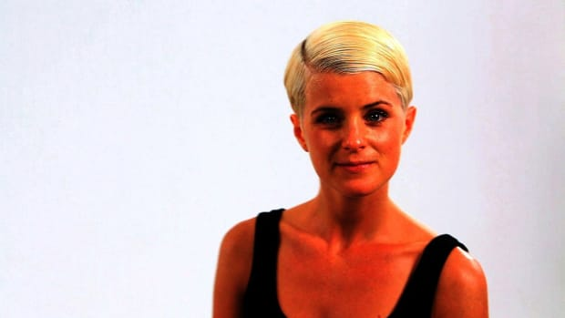ZA. How to Style a Retro Look Pixie Cut Promo Image