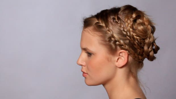O. How to Do a Braid like Drew Barrymore Promo Image