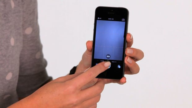 ZR. What Is Burst Mode on the iPhone 5s? Promo Image