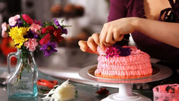 ZB. How to Decorate a Cake with Fresh Flowers Promo Image