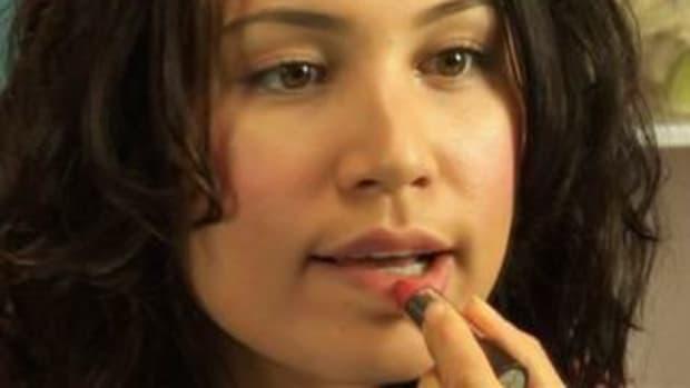 ZJ. How to Apply Lipstick Promo Image