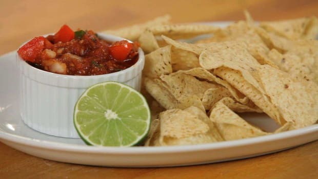 M. How to Make Red Salsa Promo Image