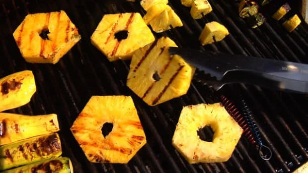 N. How to Make Grilled Pineapple Promo Image