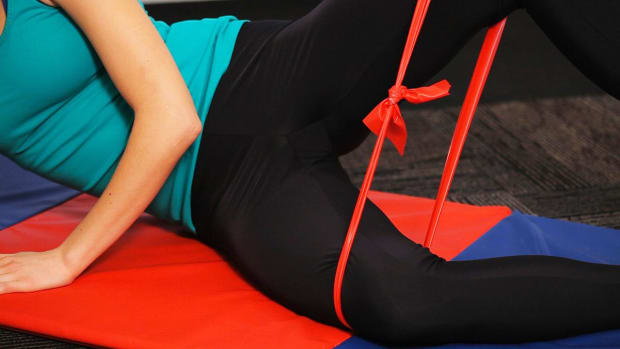 S. 2 Best Knee Exercises with Resistance Bands Promo Image
