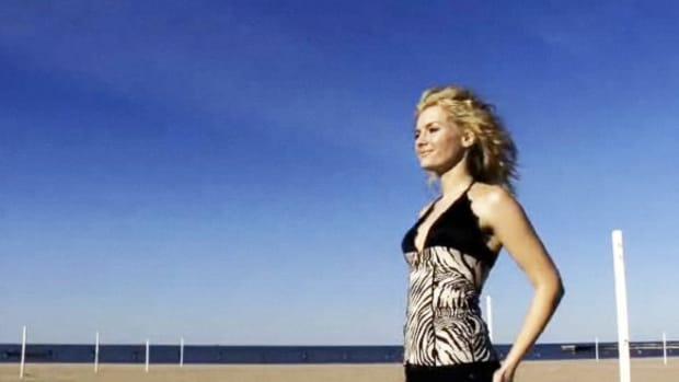 S. How to Light a Fashion Shot Promo Image