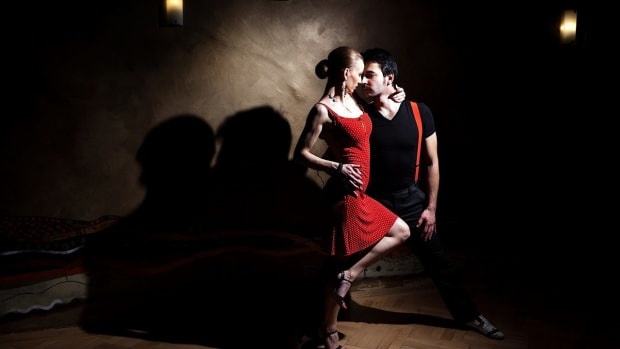 ZS. How to Find a Good Salsa Dance Class Promo Image