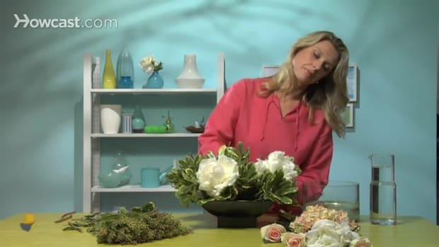 ZJ. كيف تصنع زينة مركزية من الأزهار Promo Image