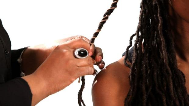 L. How to Wrap Dreads with String Promo Image