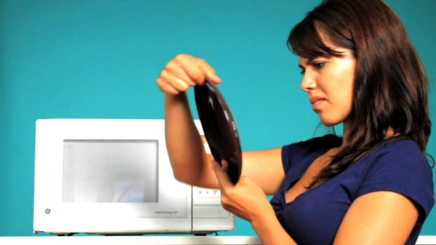 K. Quick Tips: How to Test If a Dish is Microwavable Promo Image