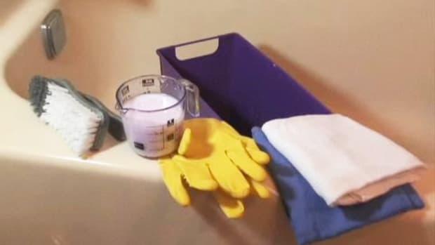 ZB. How To Remove Soap Scum Promo Image