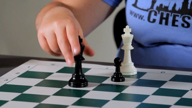 R. What Is Zugzwang in Chess? Promo Image