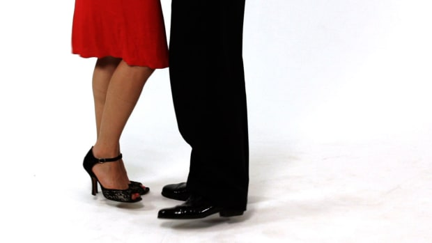 R. How to Do the Cross System Basic in the Argentine Tango Promo Image