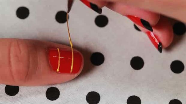 W. How to Create a Plaid Nail Art Design Promo Image