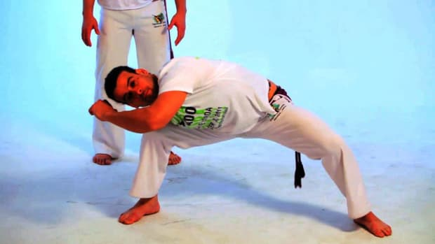 B. How to Do the Esquiva in Capoeira Promo Image