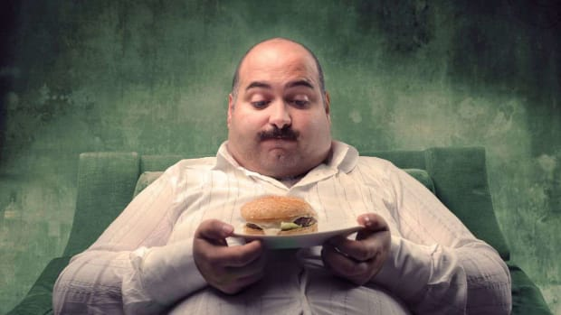 ZE. Psychological Reasons People Overeat Promo Image