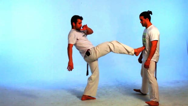 Q. How to Do the Ponteira in Capoeira Promo Image