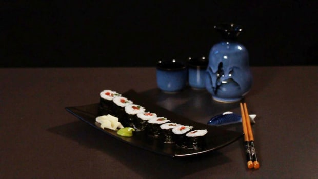 G. How to Make a Traditional Sushi Roll Promo Image