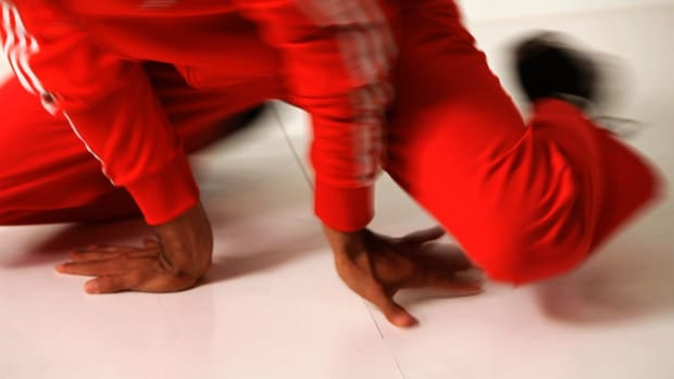 ZJ. How to Do a UFO in Break Dancing Promo Image