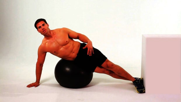 ZC. How to Do Side Crunches on Exercise Ball Promo Image