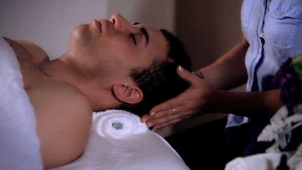 ZL. Is Head Massage Safe during Pregnancy? Promo Image
