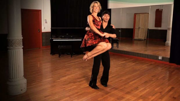 H. How to Do a Hip Lift in Swing Dance Promo Image
