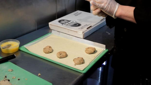 P. How to Wrap Cookie Dough in Puff Pastry Promo Image