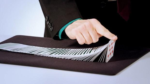 B. How to Do a Ribbon Spread Card Flourish Promo Image