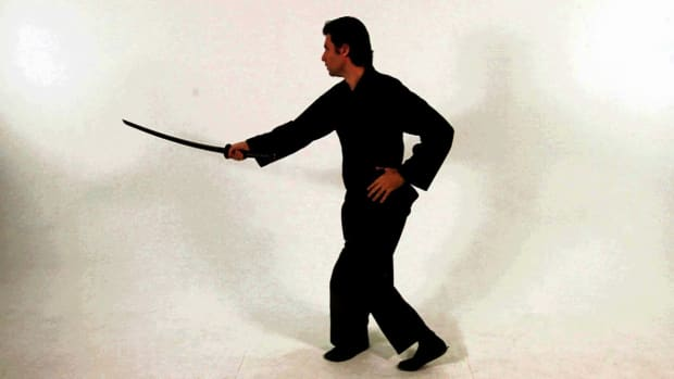 ZG. How to Do a Diagonal Katana Block in Sword Fighting Promo Image