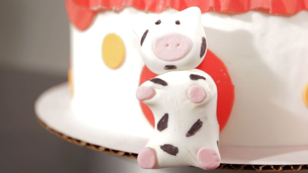 Z. How to Make a Fondant Cow Promo Image