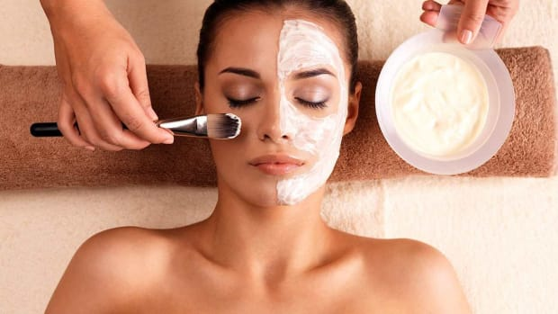 L. What Is a Skin Peeling Treatment? Promo Image