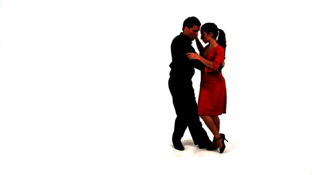 Y. How to Do Argentine Tango Planeos for Men Promo Image