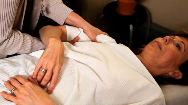 ZC. How Is Arm Pain Treated by a Chiropractor? Promo Image