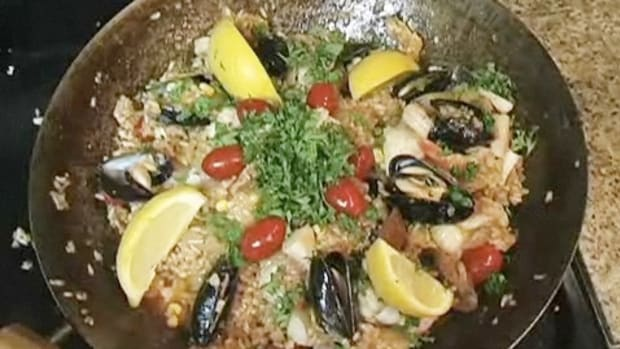 F. How to Make Seafood Paella Promo Image