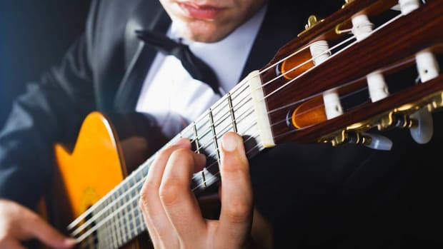 ZK. How to Play Golpe in Flamenco in Fingerstyle Guitar Promo Image