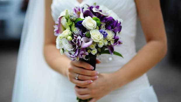 ZR. What Are the Best Wedding Flowers? Promo Image