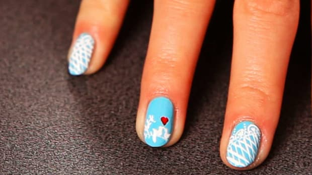 L. How to Do a Love Birds Nail Design Promo Image