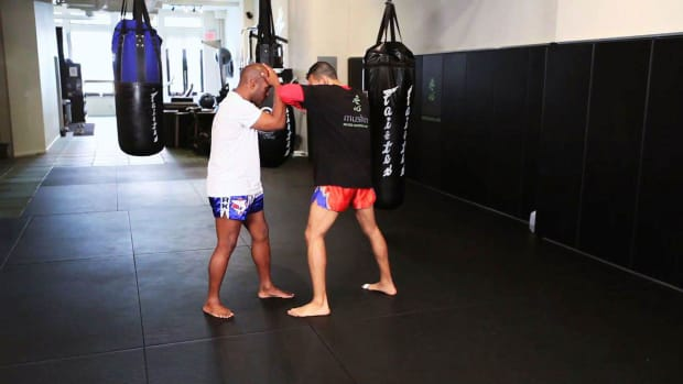 Q. 3 Tactics to Counter Muay Thai Kickboxing Elbow Attacks Promo Image