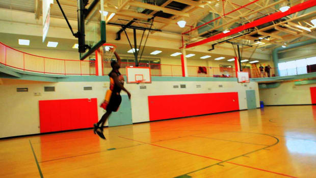 ZZF. How to Do a 540 Dunk in Basketball Promo Image